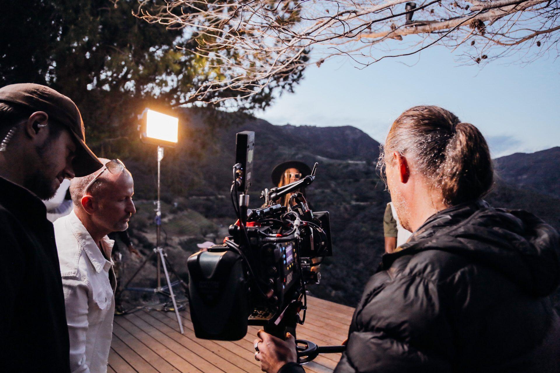Sé un especialista en guion, dirección y producción de cine