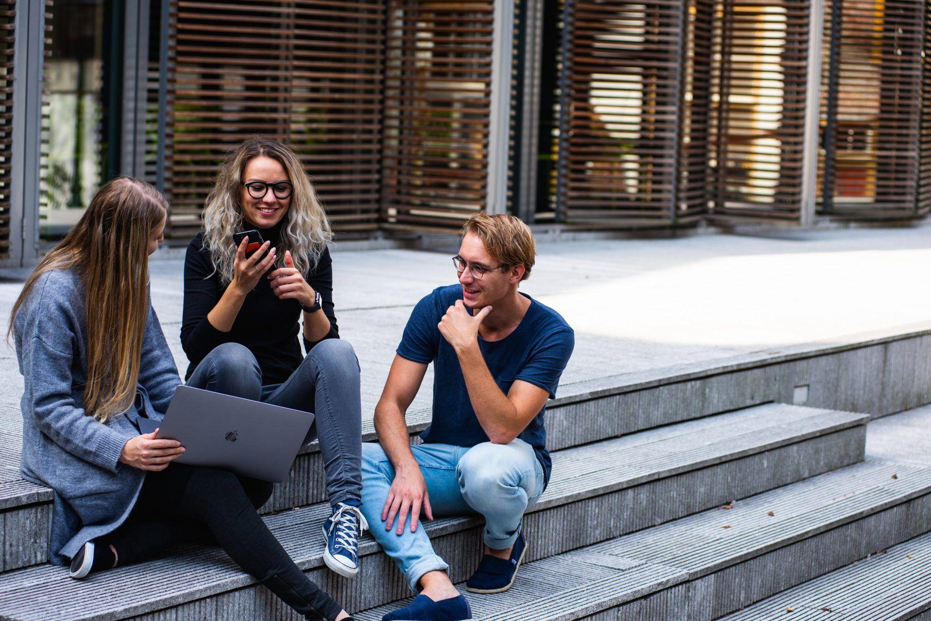 Con 2000 nuevos estudiantes inicia el curso en ENyD