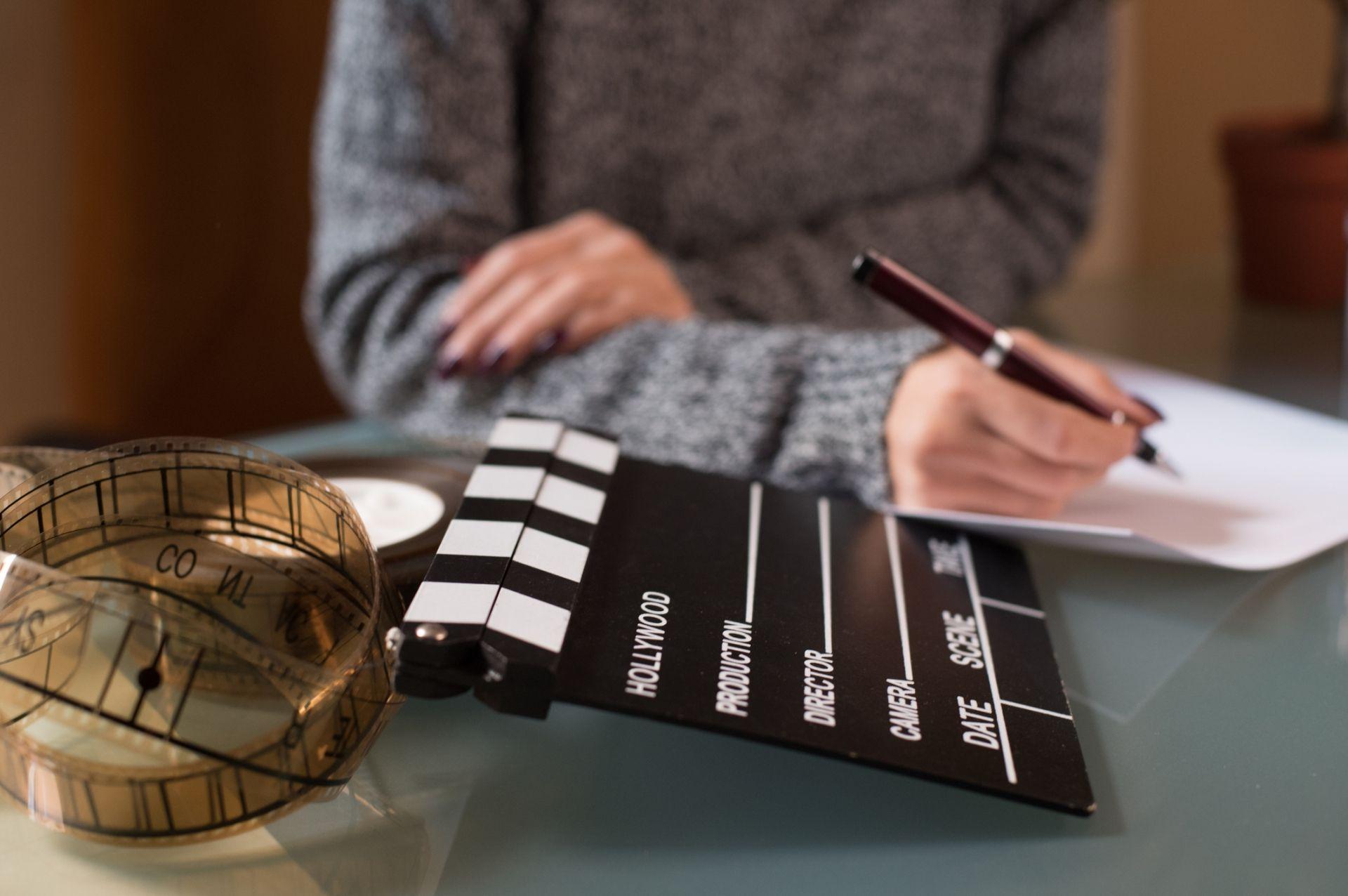 ¿Qué estudiar para convertirse en guionista profesional?