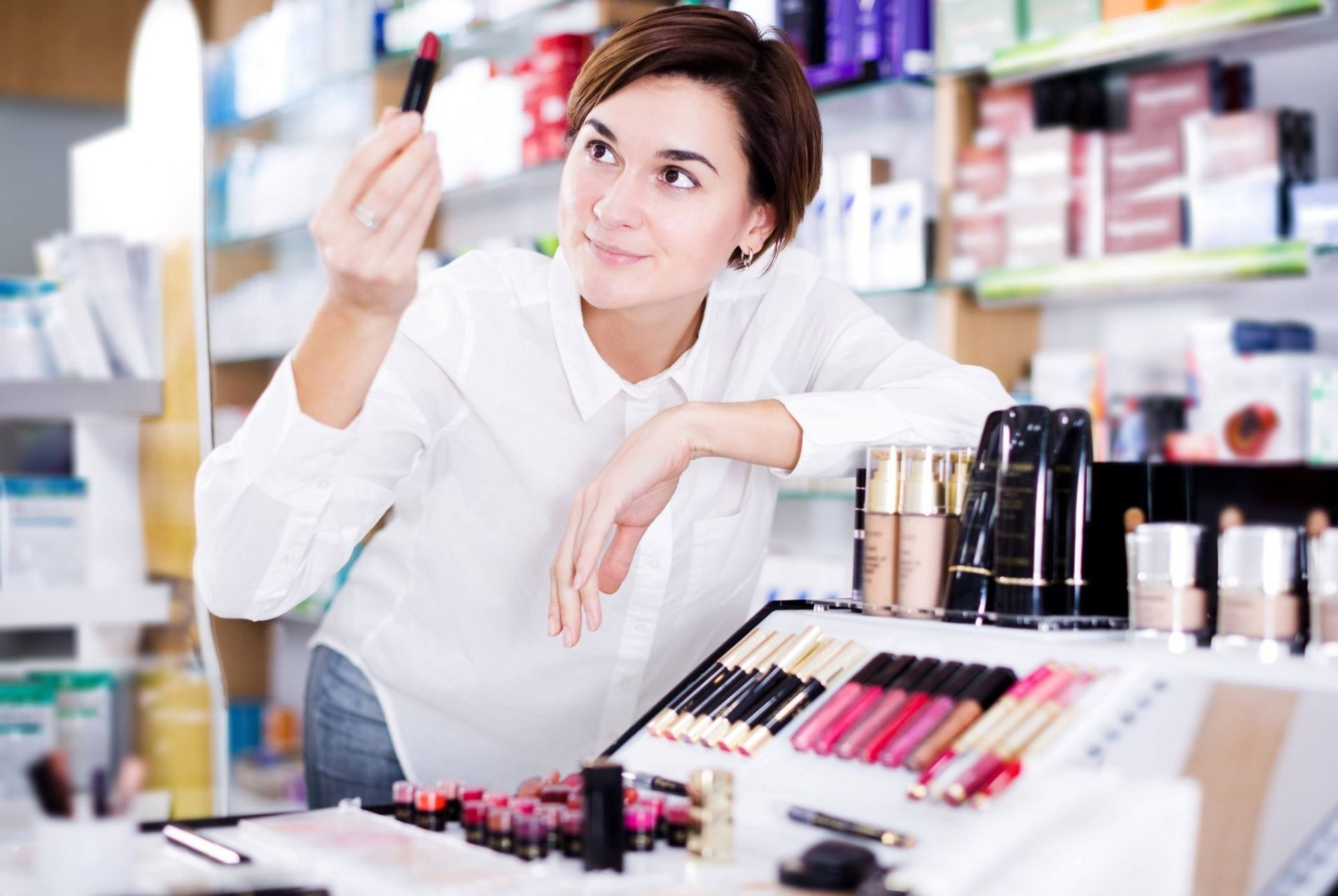 Según el informe Beauty Obsession de EAE, los españoles destinan una media de 150€ anuales en cosmética
