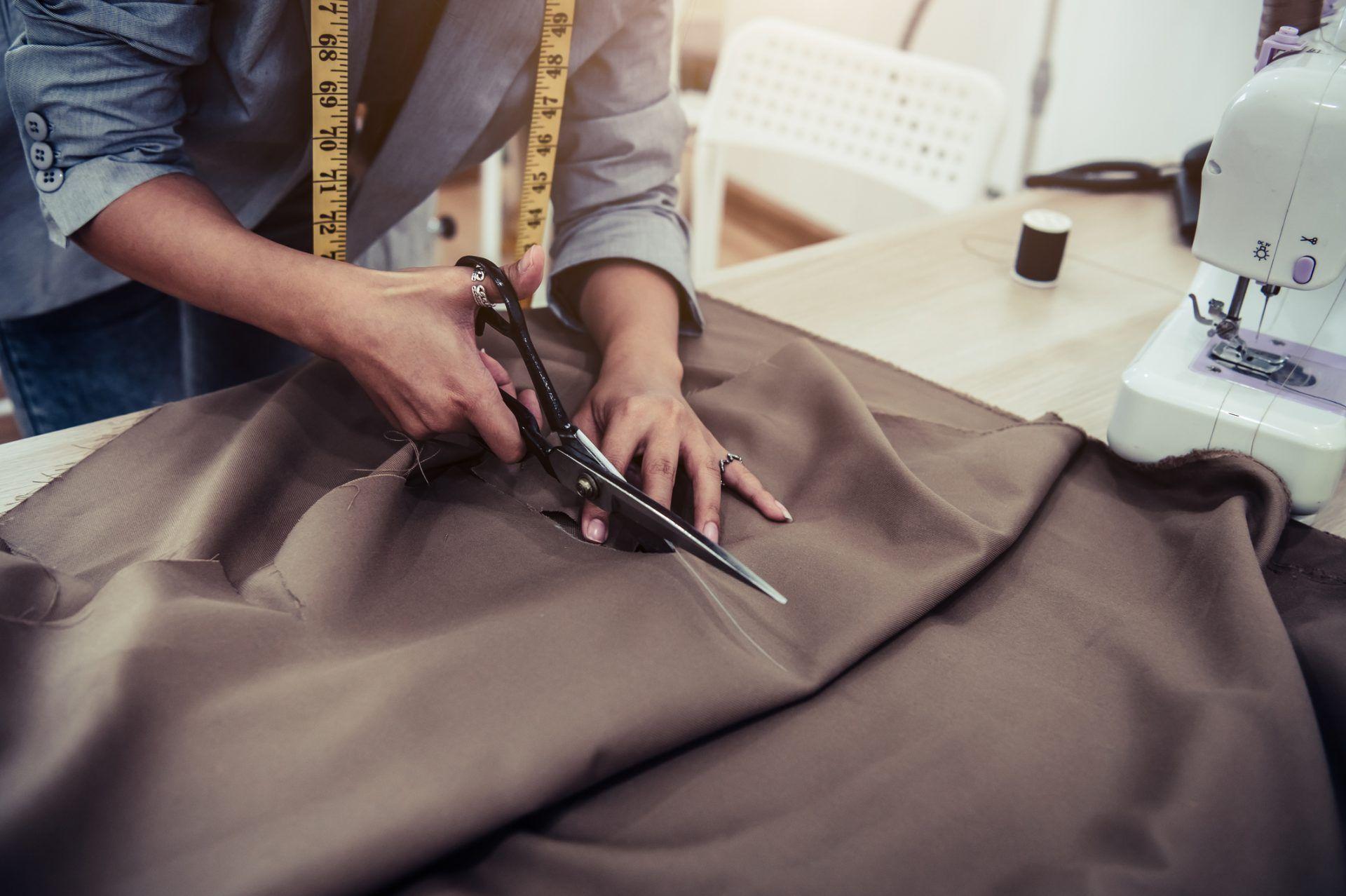 La Escuela des Arts, una de las mejores opciones para aprender costura desde casa