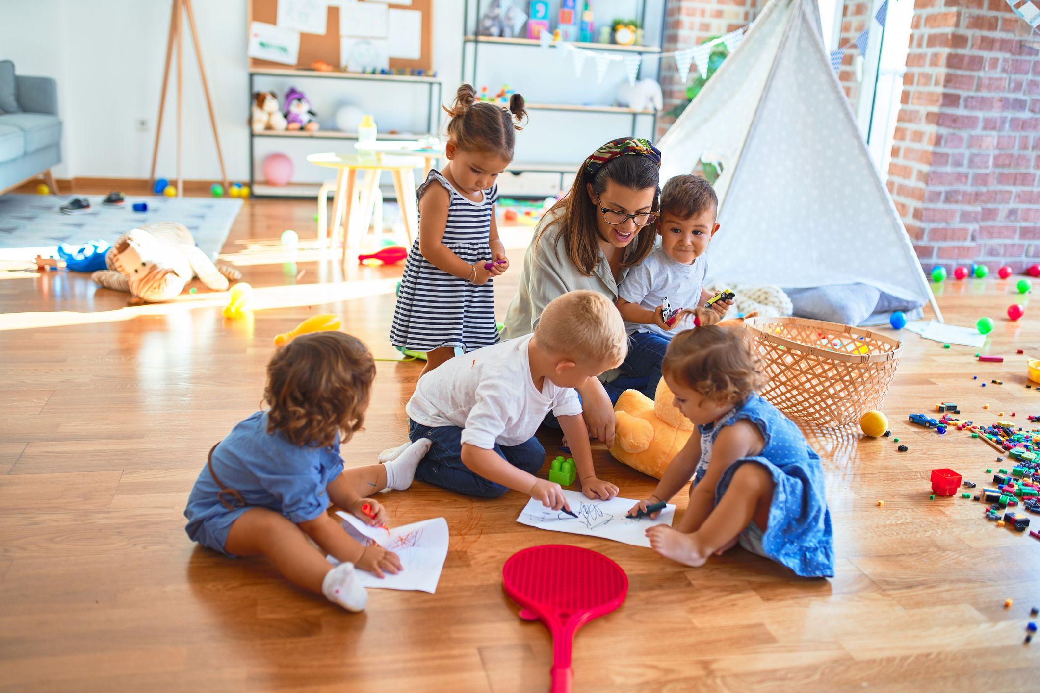 La importancia de aprender jugando durante la infancia