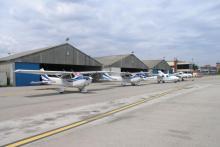 Hangares y flota Aeroclub
