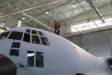Trabajos en altura: mecánicos aeronáutica.Sistemas anticaídas retráctiles