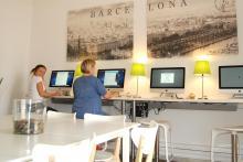 Mediateca: donde puedes estudiar, consultar libros, acceder al internet.