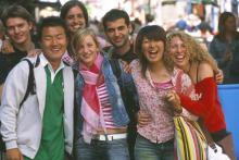 Viajar al extranjero para aprender idiomas: experiencia única y multicultural.