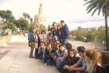 Actividades culturales con un grupo de estudiantes