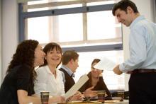 El grado especializado en retail: grupos reducidos y clases dinámicas