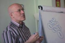 Sesión de un curso Practitioner en PNL impartida por Marcel Genestar