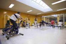 El CSHG dispone de gimnasio, pabellón polideportivo y pistas de tenis para el disfrute de los alumnos.