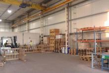 zona interior de almacenaje y logística