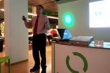 Gustavo López Behar, director de Quantumbcn y coach ejecutivo durante un taller.