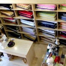 Exposición y venta de telas de alta costura